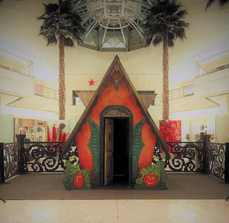 Batty Manor en The Gardens Mall