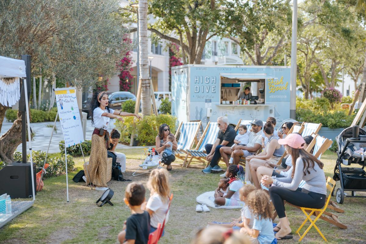 Storytime mit Rohi es Readery am Rosemary Square