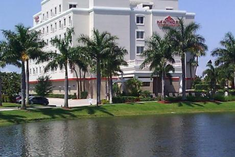 An Extra Night Free, Within in Walking Distance to the Palm Beach Outlets