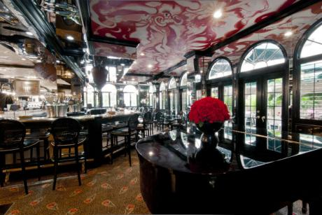 Leopard Lounge and Restaurant at The Chesterfield Palm Beach