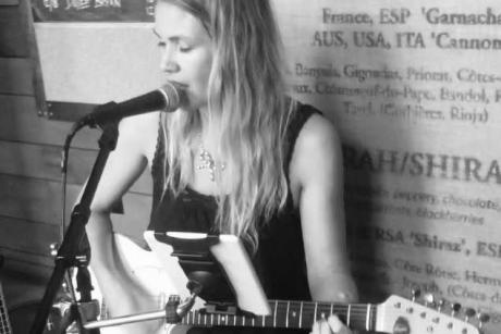 Live Tunes Tuesday: Tracy Renee