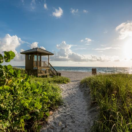 Delray Beach lifegard tower and beach