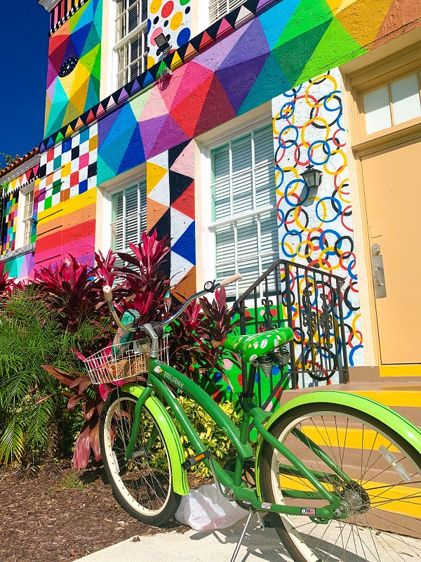 Colorful City Hall Annex in Lake Worth