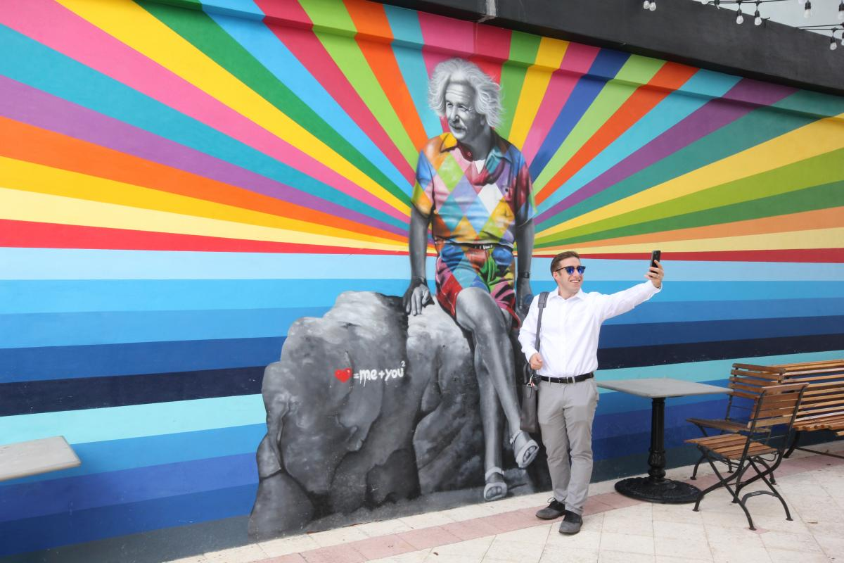 Visit the selfie trail in The Palm Beaches