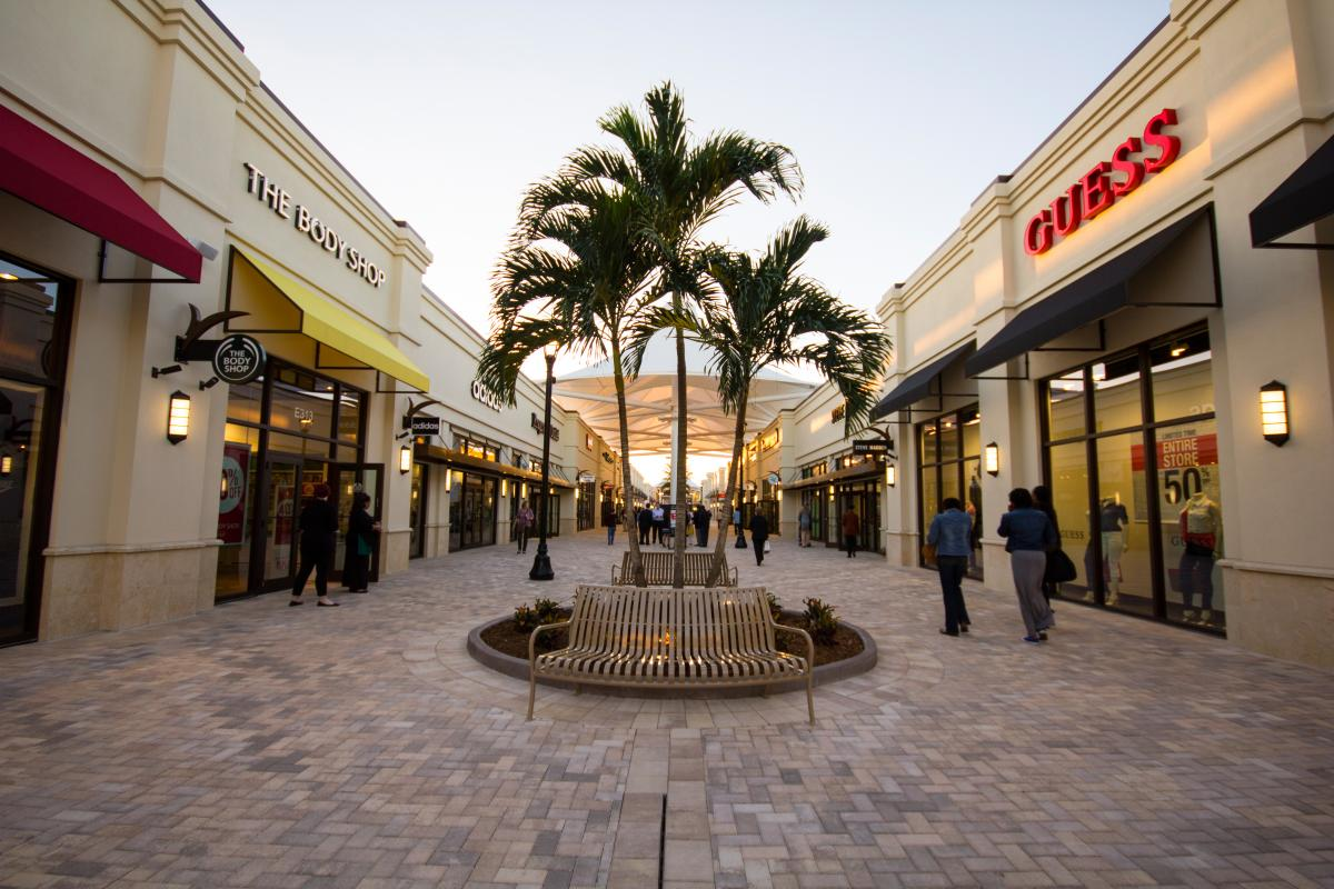Permalink to Palm Beach Outlet Mall