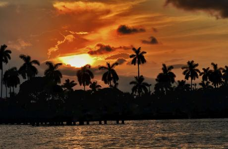 Sonnenuntergang über dem Intracoastal – The Palm Beaches