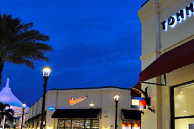 Palm Beach Lakes Outlet Mall Food Court