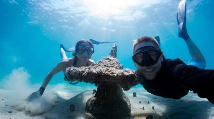 Selfie with shark statue at Underwater Snorkel Trail